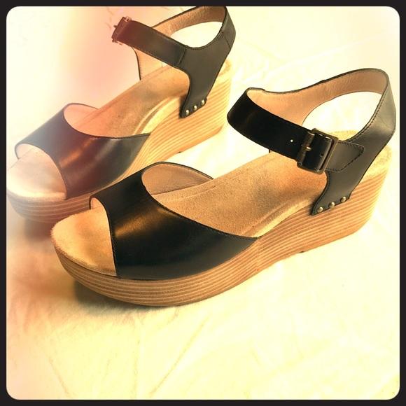 58af7fb683c Dansko Shoes - Like-new size 42 Dansko Silvie sandals